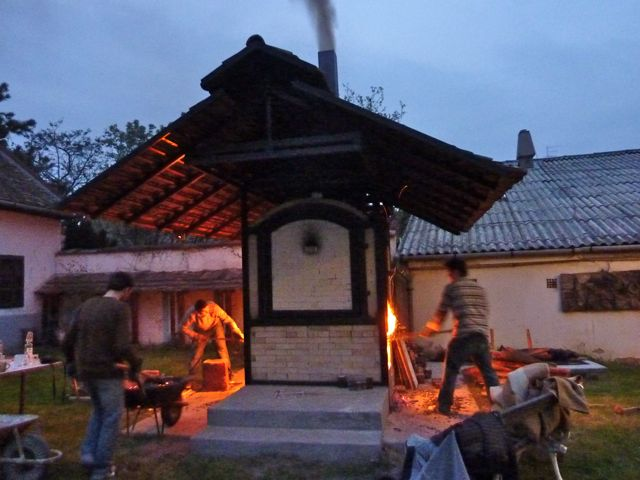 The students from Sopron fire through the night till 6am, for us.  they were supposed to get the temp up to 1000c by 6am when Jakab arrived to check...they tried...